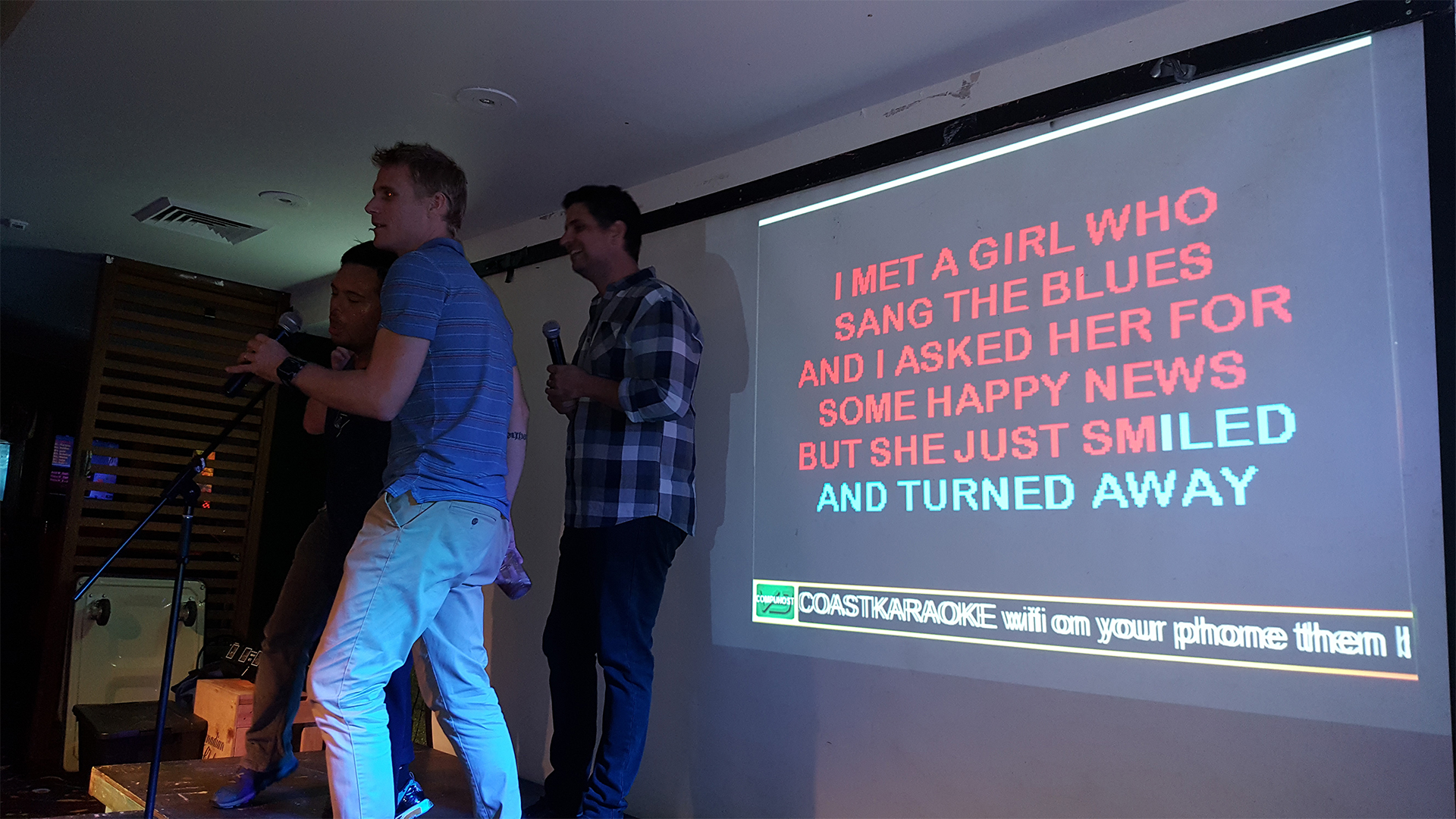 Newcastle Karaoke Guys Singing